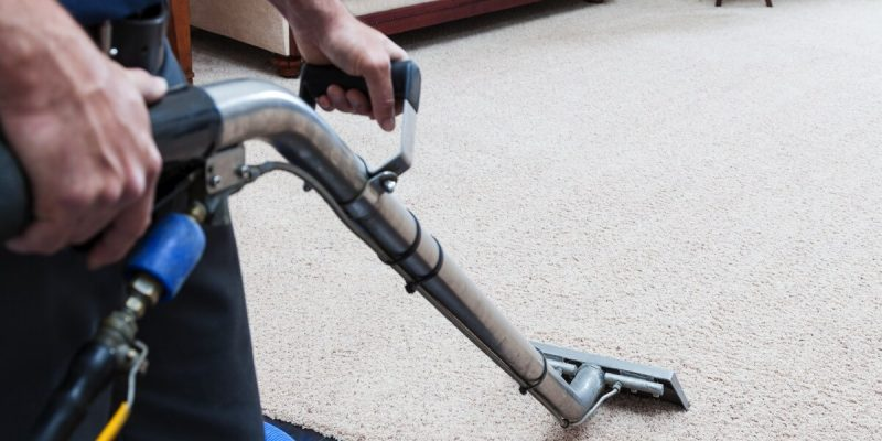 Steam-Cleaning-Carpets-000023916106_Large-sm